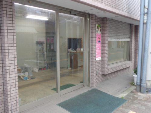 電動シャッター付き店舗・事務所
